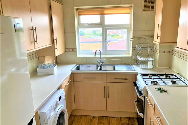 2 bed flat for sale in Amwell View, New North Road, Ilford IG6