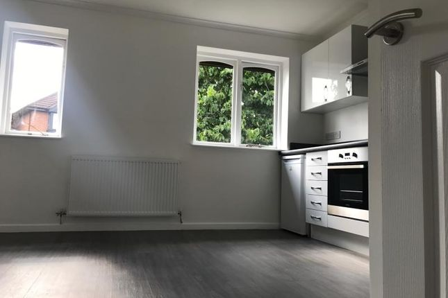 Thumbnail Maisonette to rent in Vicarage Way, Colnbrook, Slough