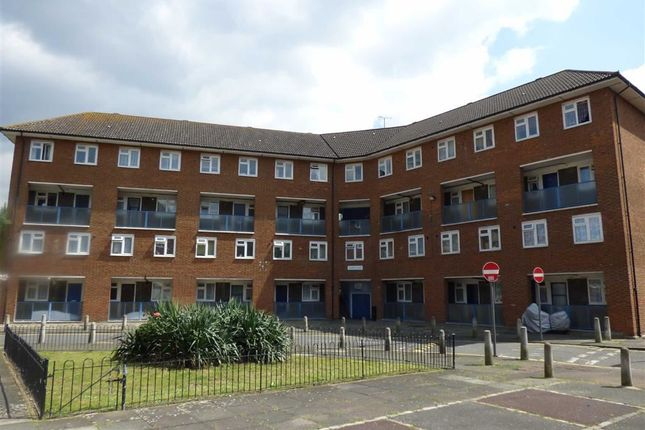 Thumbnail Flat for sale in Slippers Place, London