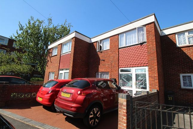Thumbnail Property to rent in Waterloo Street, Southsea