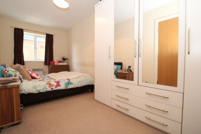 Master Bedroom of Old Harbour Court, 10 Wincolmlee, Hull, East Yorkshire HU2