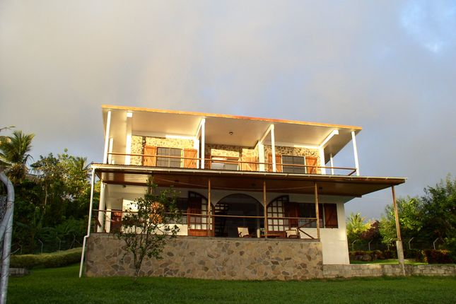 Thumbnail Bungalow for sale in 5 Bedroom House In Cochrane, Cochrane, Dominica