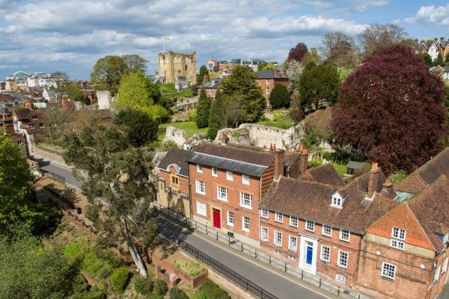Thumbnail Mews house for sale in Quarry Street, Guildford