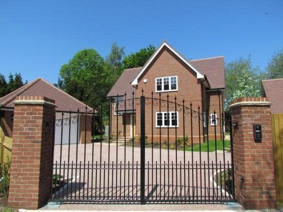 Thumbnail Detached house to rent in Drays Lane, Rotherfield Peppard, Henley-On-Thames, Oxfordshire