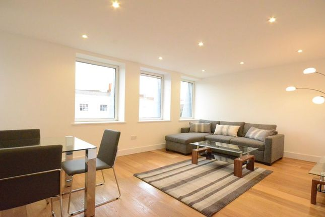 Thumbnail Flat to rent in The Forbury, Reading