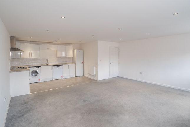 Thumbnail Flat to rent in Alveston Place, Leamington Spa