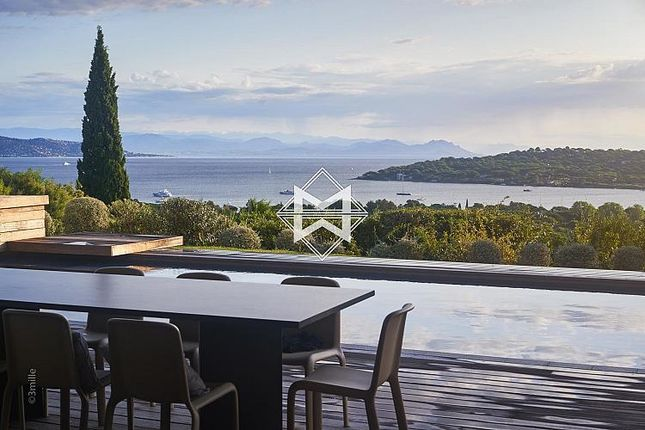 Thumbnail Villa for sale in 6 Bedroom Villa, Saint-Tropez, Provence-Alpes-Cote D'azur, France