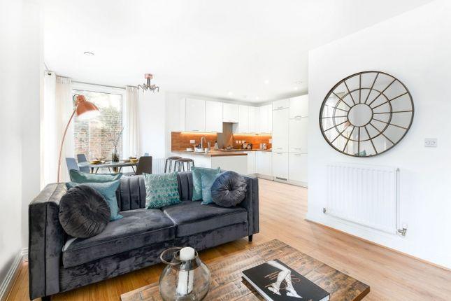 1 bedroom flat for sale in So Resi Totteridge, High Road, Totteridge