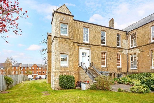 Thumbnail Maisonette for sale in Helena House, Royal Earlswood Park, Redhill, Surrey
