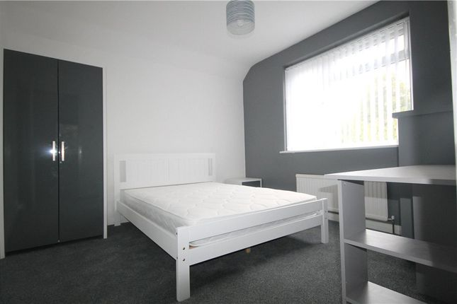 Thumbnail Property to rent in Woking Road, Guildford, Surrey