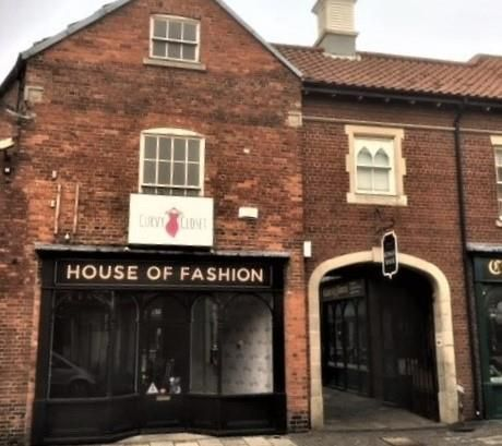 Thumbnail Retail premises to let in Unit 1, Kings Walk Shopping Arcade, Guildhall Street, Westgate, Grantham, Lincolnshire