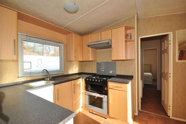 Thumbnail Mobile/park home to rent in Emms Lane, Brooks Green, Horsham