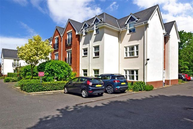 2 bed flat for sale in Stock Road, Billericay, Essex CM12
