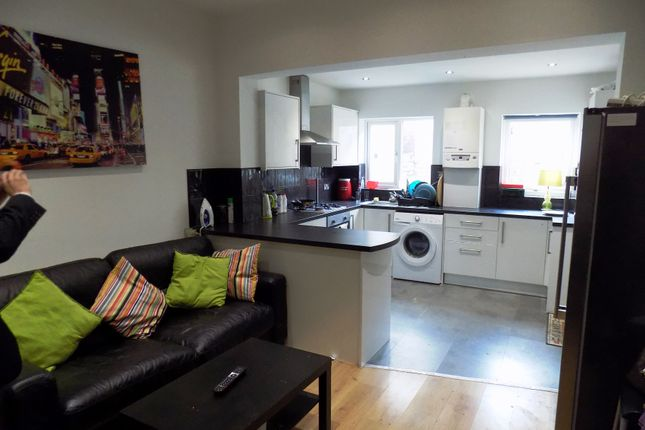 Thumbnail Shared accommodation to rent in Alderson Road, Sheffield