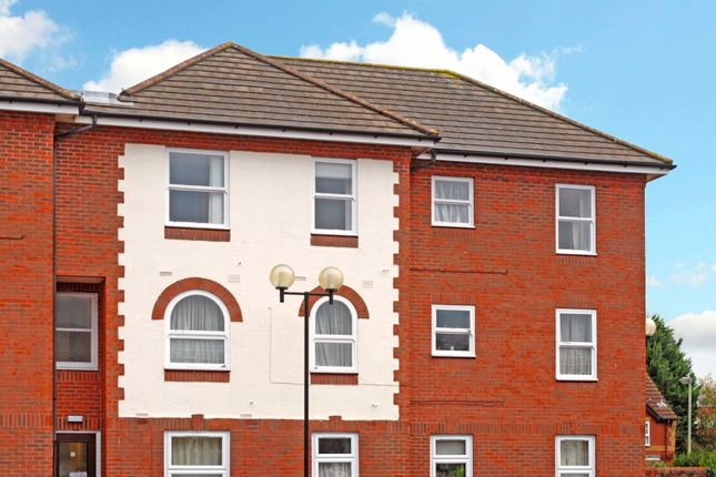 Flat to rent in Coopers Gate Banbury OX16, Banbury,