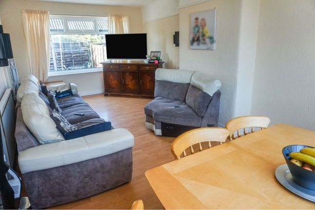 Living Room of Malvern Close, Manchester M25