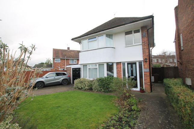 3 bed detached house for sale in Westmorland Avenue, Aylesbury