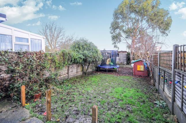 Garden of Carisbrook Close, Enfield EN1