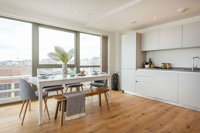 3 bedroom flat for sale in 133 Kingsway, Hove, City Of Brighton And Hove