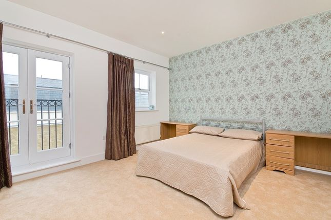 Thumbnail Town house to rent in Busby Place, London