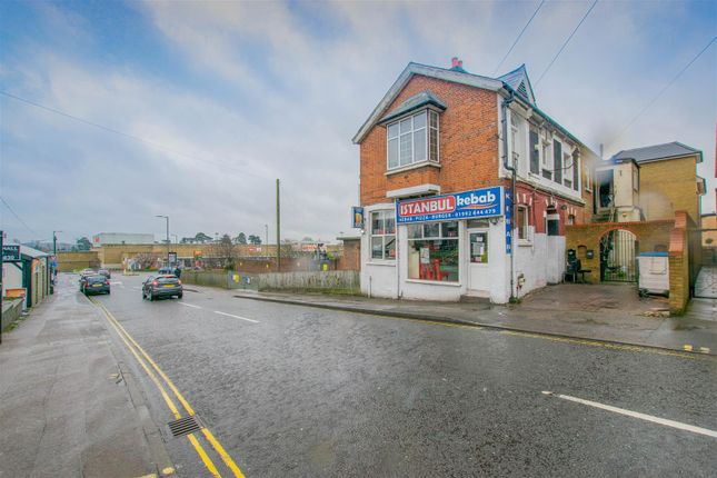 Thumbnail Flat for sale in Brewery Road, Hoddesdon