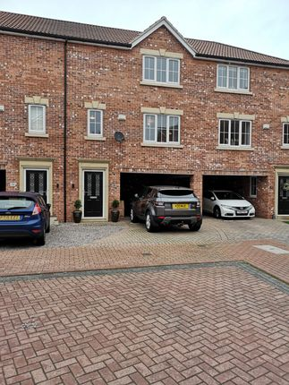 3 bed terraced house for sale in Mill View, Barton-Upon-Humber DN18