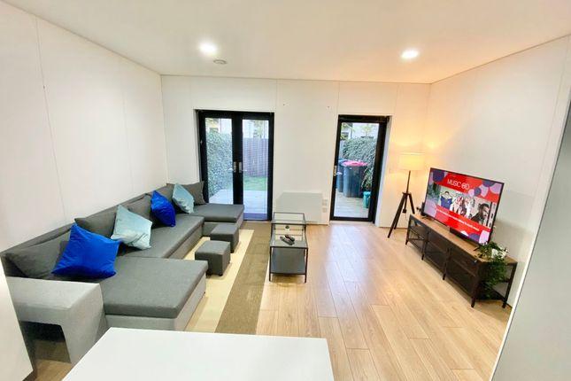 Thumbnail Flat to rent in Springfield Lane, Salford