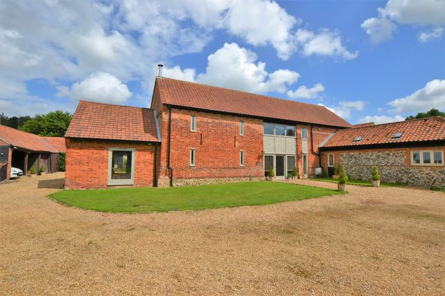 Thumbnail Barn conversion for sale in Honingham, Norwich