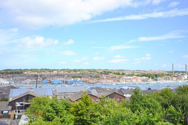 Thumbnail Semi-detached house for sale in Newport Road, Cowes