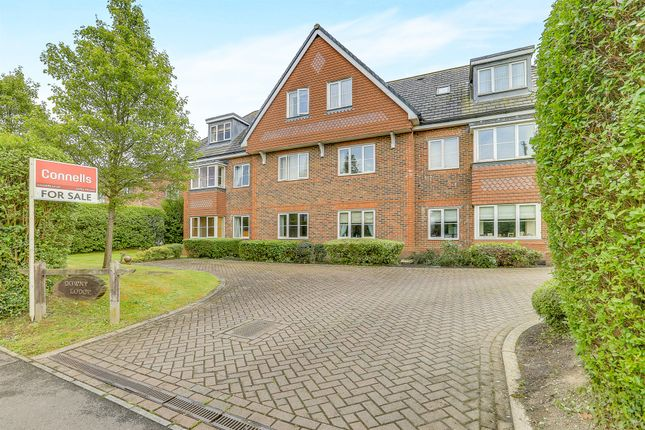Thumbnail Flat for sale in Brewer Road, Crawley