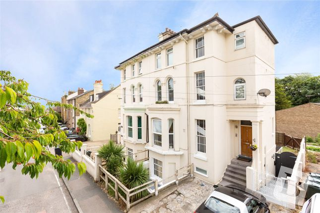 Thumbnail Flat for sale in Knockhall Road, Greenhithe, Kent