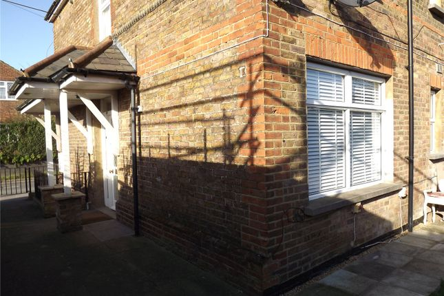 Flat to rent in Wycombe Lane, Wooburn Green, High Wycombe, Buckinghamshire
