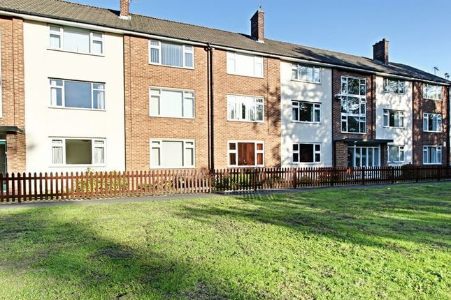 Thumbnail Flat for sale in South Street, Cottingham