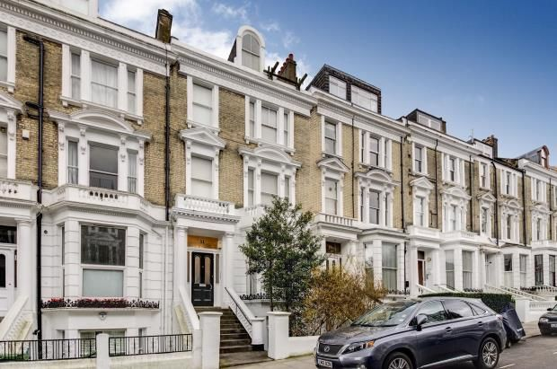 Thumbnail Property for sale in Belsize Crescent, Belsize Park, London