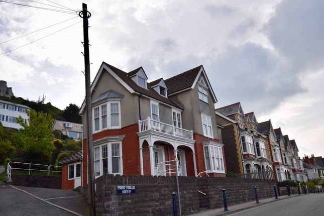 Thumbnail Flat to rent in 3 Lluest, North Road, Aberystwyth