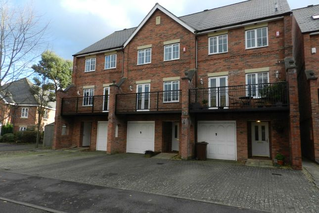 3 bed town house to rent in Wade Court, Cheltenham GL51