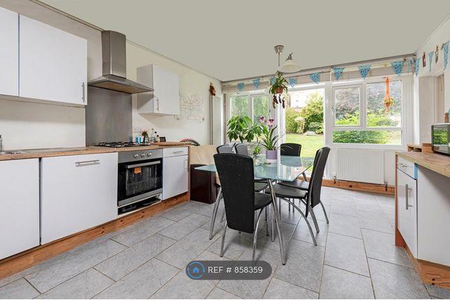 Thumbnail Maisonette to rent in Garden Royal, London