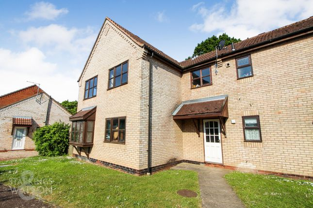 Thumbnail Flat for sale in Beck Way, Loddon, Norwich