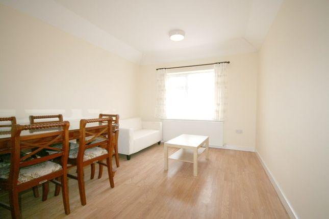 Thumbnail Flat to rent in Launceston Road, Perivale, Greenford