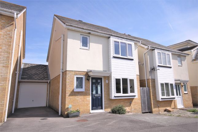 3 bed link-detached house for sale in Bluebell Way, Whiteley, Fareham PO15