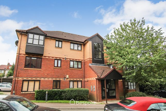 Thumbnail Flat to rent in Medesenge Way, Palmers Green