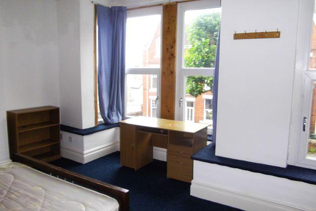 Thumbnail Terraced house to rent in 33 Bernard Street, Swansea