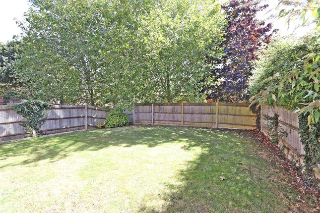 Tg Garden of Hardwicke Place, London Colney, St. Albans AL2