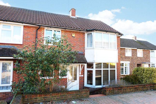 Thumbnail Semi-detached house to rent in Horsneile Lane, Priestwood, Bracknell, Berkshire