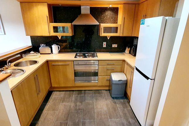 2 bed flat to rent in Clos Dol Heulog, Pontprennau, Cardiff CF23