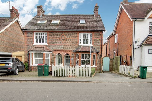 Thumbnail Semi-detached house for sale in Ifield Green, Ifield, Crawley