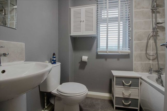 Bathroom - of Porlock Lane, Furzton, Milton Keynes MK4