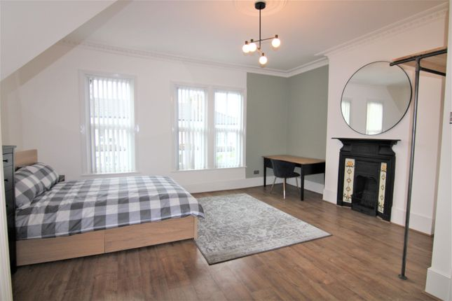 Thumbnail Shared accommodation to rent in Hermitage Road, London