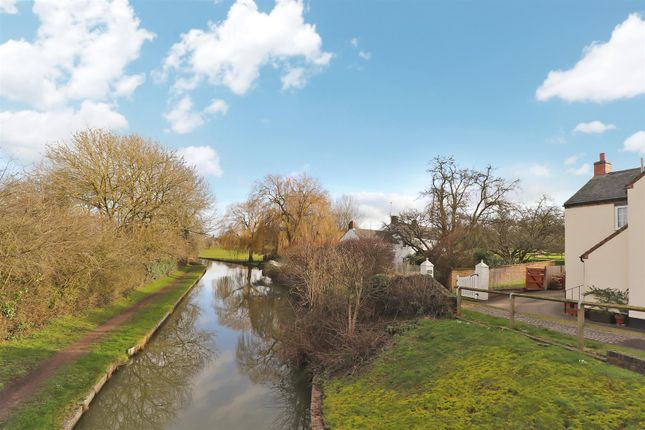 Canal of Brewhouse Lane, Long Buckby, Northampton NN6