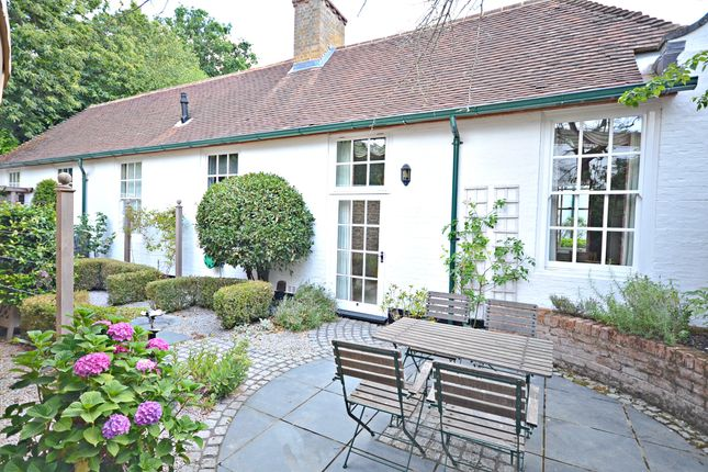 Thumbnail Detached house to rent in Nashdom Lane, Burnham, Slough